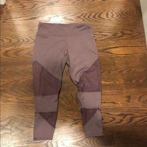 Onzie Capri leggings